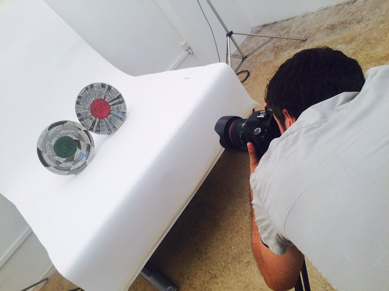 Allestimento set per shooting Mostra della Ceramica 2015